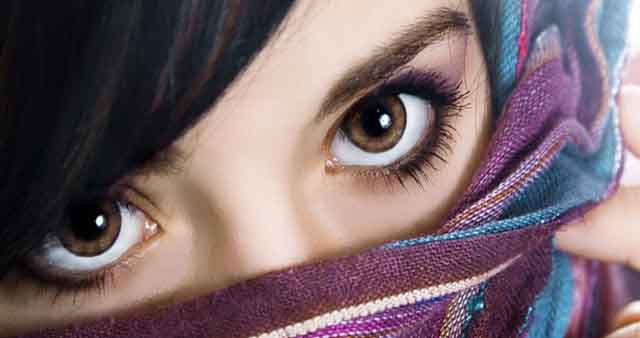 तेरी आँखों के जादू से शायरी